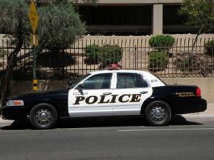 Police Officer Blocks Traffic To Help Driver Having Seazures