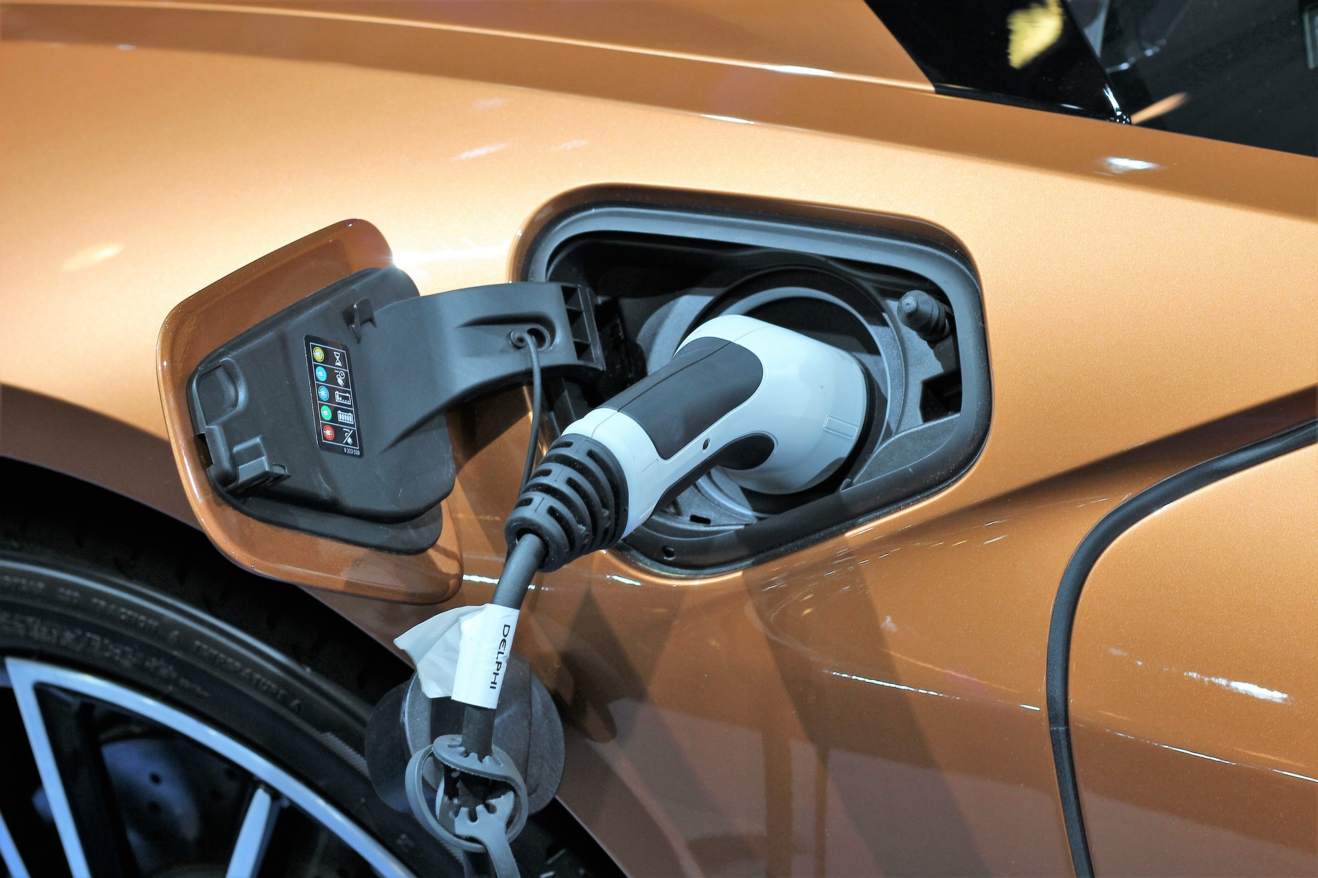 2020: The Year The World Was Electrified By Vehicles Refusing Gasoline
