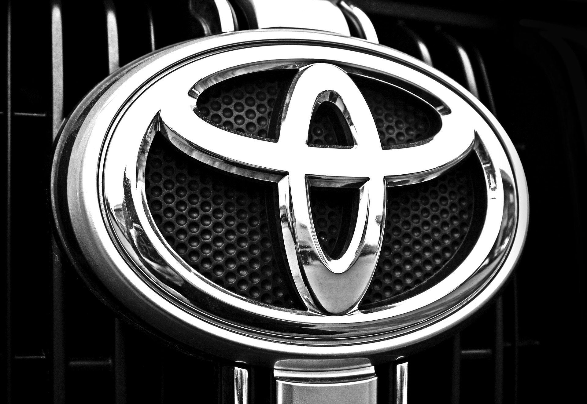 Toyota Shows Off A Blacked Out Version Of Their Prius